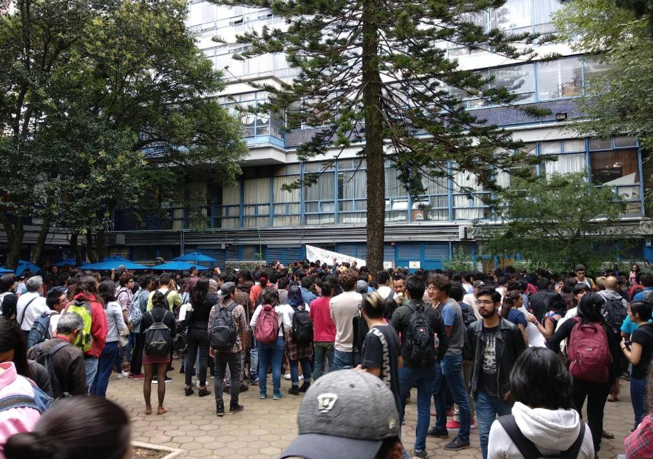 Filosofía y Letras de la UNAM protesta por violencia, se va a paro por 48 horas. Foto: Especial
