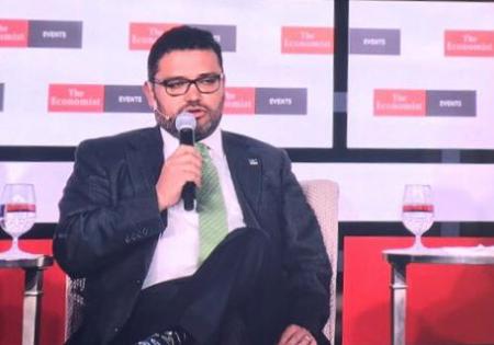 Sergio Pimentel Comisionado de la CNH durante su intervención en Mexico Summit de The Economist. Foto: @CNH_MX