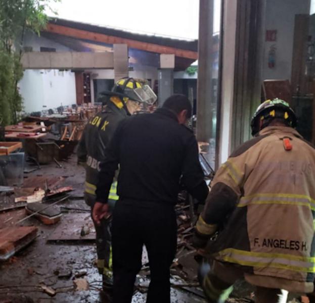Seis heridos en explosión en restaurant de comida japonesa en Coyoacán. Foto: Vulcano Jorge Cortes @jorge_vulcano