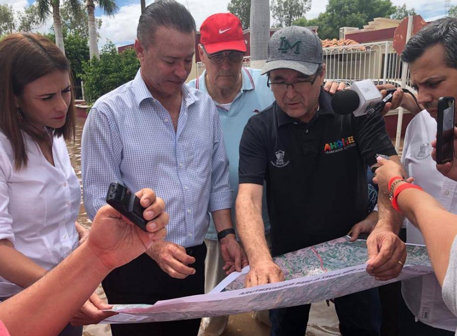 Ordaz Coppel firma solicitud de zona de desastre por lluvias en Sinaloa. Foto: @QuirinoOC
