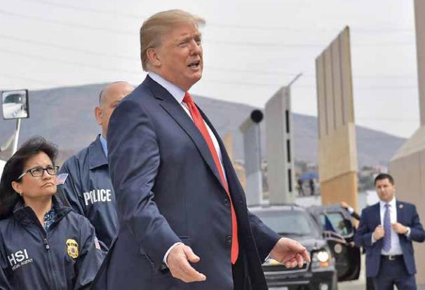 Trump presiona a los republicanos a que destinen fondos para su prometido muro. FOTO: AFP
