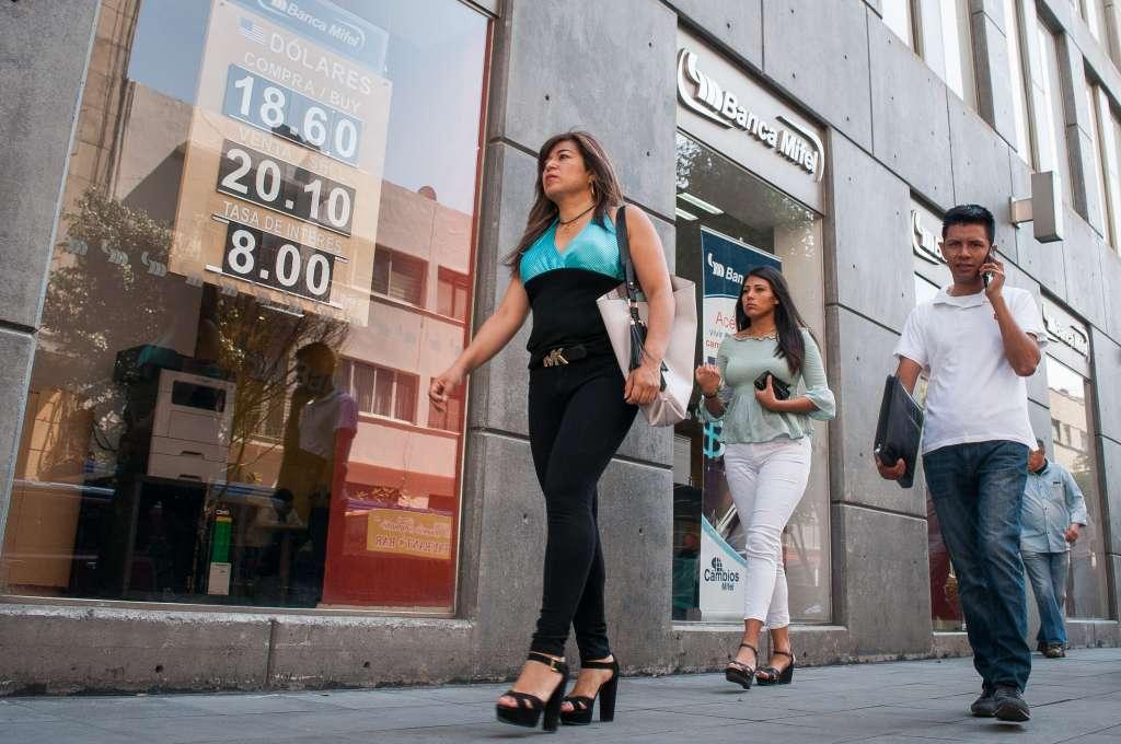 1.6 por ciento de la población adulta nacional no cuenta con una sucursal bancaria. FOTO: ARCHIVO/ CUARTOSCURO