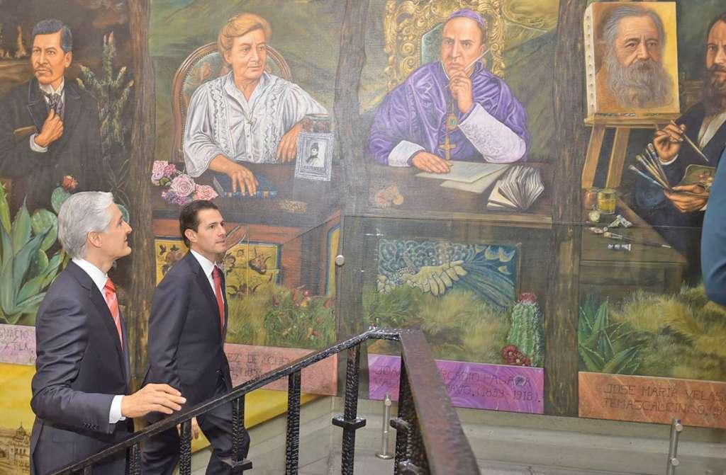 REUNIÓN. El presidente Enrique Peña acompañó al gobernador Alfredo Del Mazo. Foto: Especial