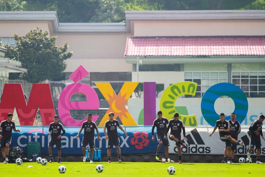 """Aspectos del entrenamiento de la selección nacional dirigida por Ricardo """"El Tuca"""" Ferretti. Foto: Cuartoscuro"""