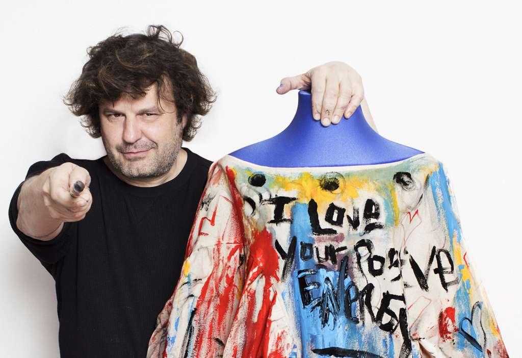 El reconocido pintor español tiene planes para visitar nuestro país y presentar Smile, exposición que hizo junto a su amigo, el cantante Alejandro Sanz. Foto: JAVIER SALAS