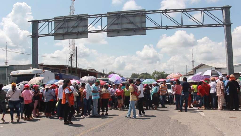 Bloquean acceso comercial a Centroamérica por falta de reconstrucción en escuelas
