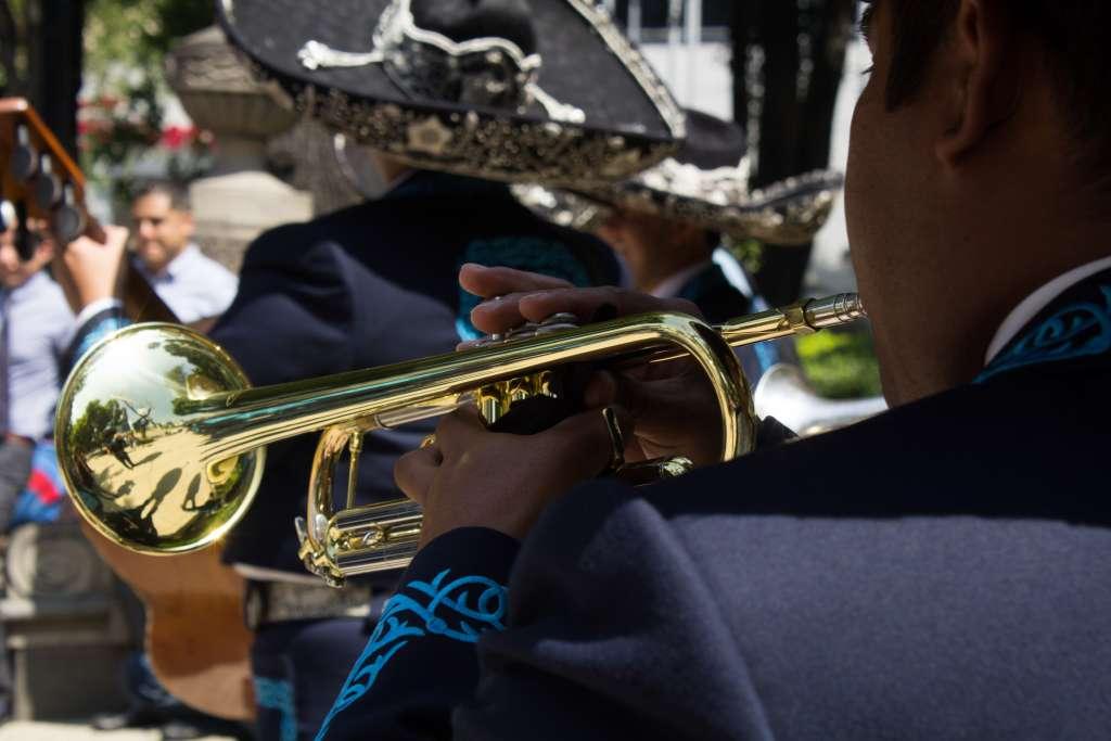 A pesar de la popularidad que tienen otros géneros, la música vernácula continúa siendo la más emblemática de México. Foto: Cuartoscuro