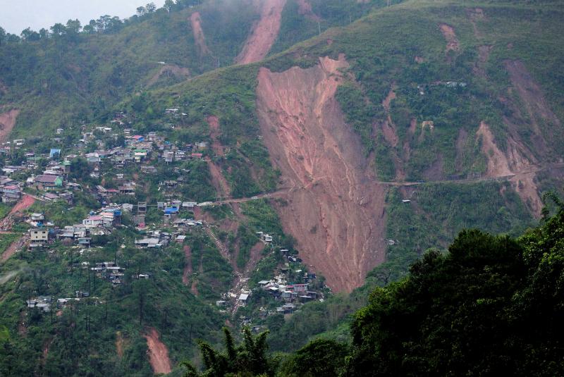 El deslave arrasó con un refugio de emergencia utilizado por los mineros y sus familias