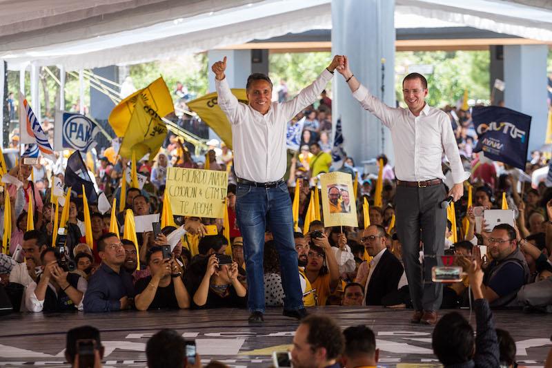 Manuel Negrete y Ricardo Anaya Cortés, candidatos de la coalición Por México al Frente a la alcaldía de Coyoacán en un mitin durante el mes de mayo en la Alameda del Sur.Foto: Cuartoscuro.com FOTO: ISAAC ESQUIVEL /CUARTOSCURO.COM