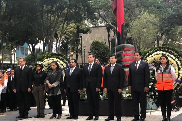 El jefe de gobierno encabezó la ceremonia. FOTO: ESPECIAL