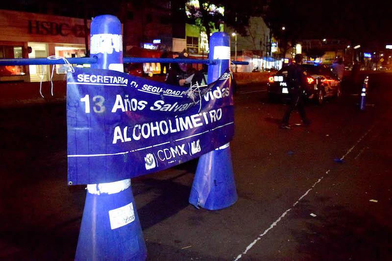 Alcoholímetro en CDMX. FOTO: LUIS CARBAYO /CUARTOSCURO.COM