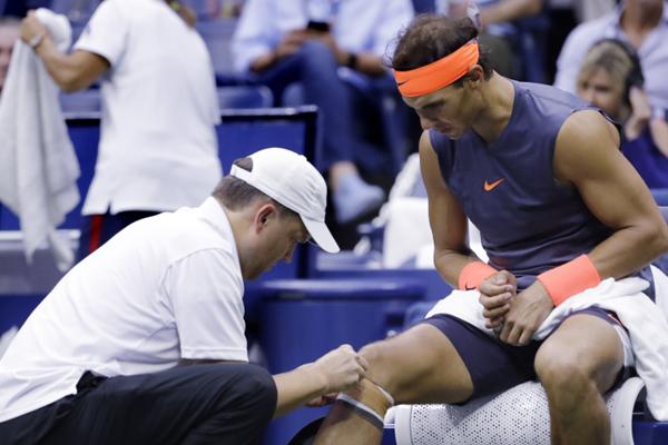 El tenista presenta molestias en la rodilla derecha. FOTO: AFP
