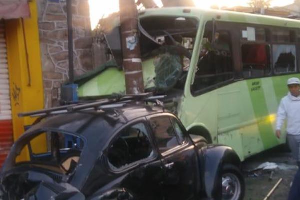 Así chocó el camión de la Ruta 18 en Gustavo A Madero: VIDEO