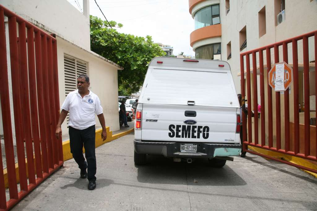 Los seis cuerpos quedaron tirados sobre el camino a la  comunidad Monte Bello. FOTO: CUARTOSCURO
