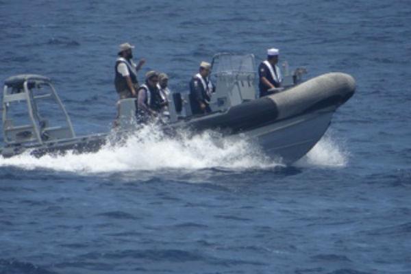 Efectuaron recorrido en altamar a 50 km de la playa en el Océano Pacífico y llevaron a cabo la toma de muestras de agua para identificación de microalgas tóxicas. FOTO: ESPECIAL