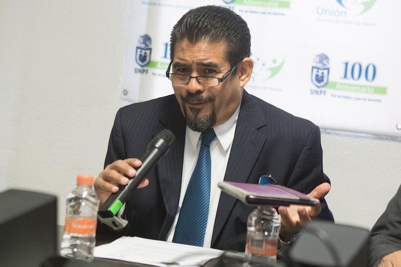 Leonardo García Camarena, presidente de la Unión Nacional de Padres de Familia. FOTO ARCHIVO: TERCERO DÍAZ /CUARTOSCURO.COM