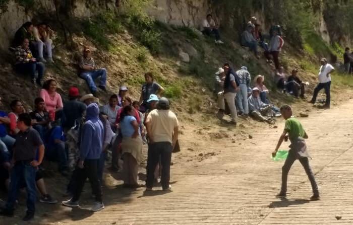 10 lesionados en enfrentamiento por control de balneario en Hidalgo. Foto: Especial