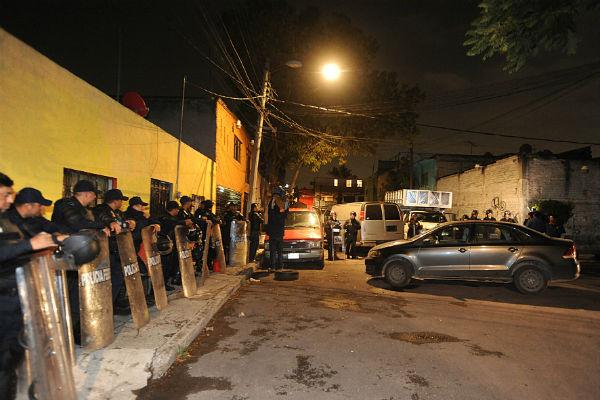 Elementos de la SSP realizan un operativo desde el lunes por la noche en Tepito. FOTO: CUARTOSCURO