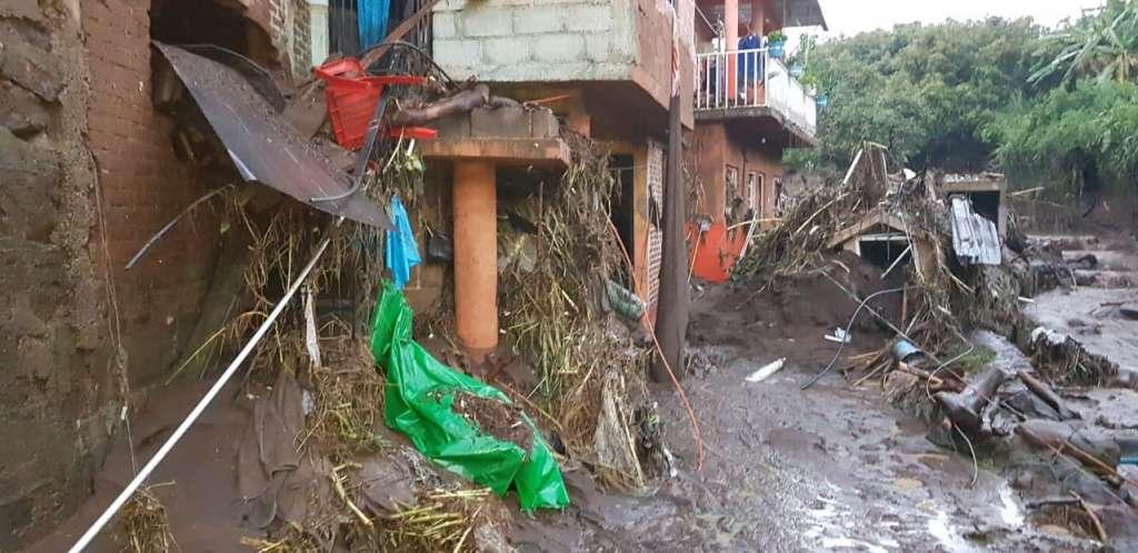 Aterradoras imágenes de tromba en Peribán, Michoacán. Foto: Especial.