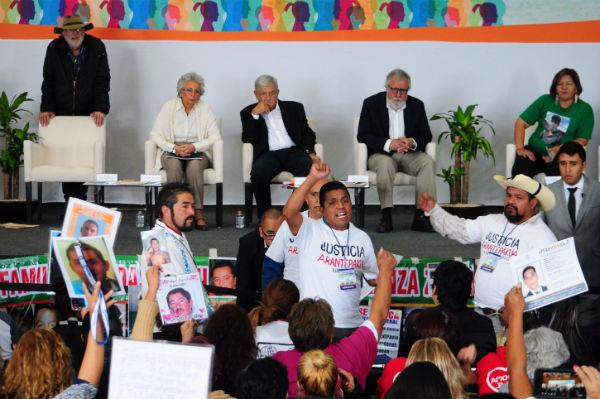 México necesita apoyo internacional para salir de la situación que vive y crear mesas para el diseño de mecanismos que permitan la investigación adecuada; dijeron a AMLO Foto: Cuartoscuro