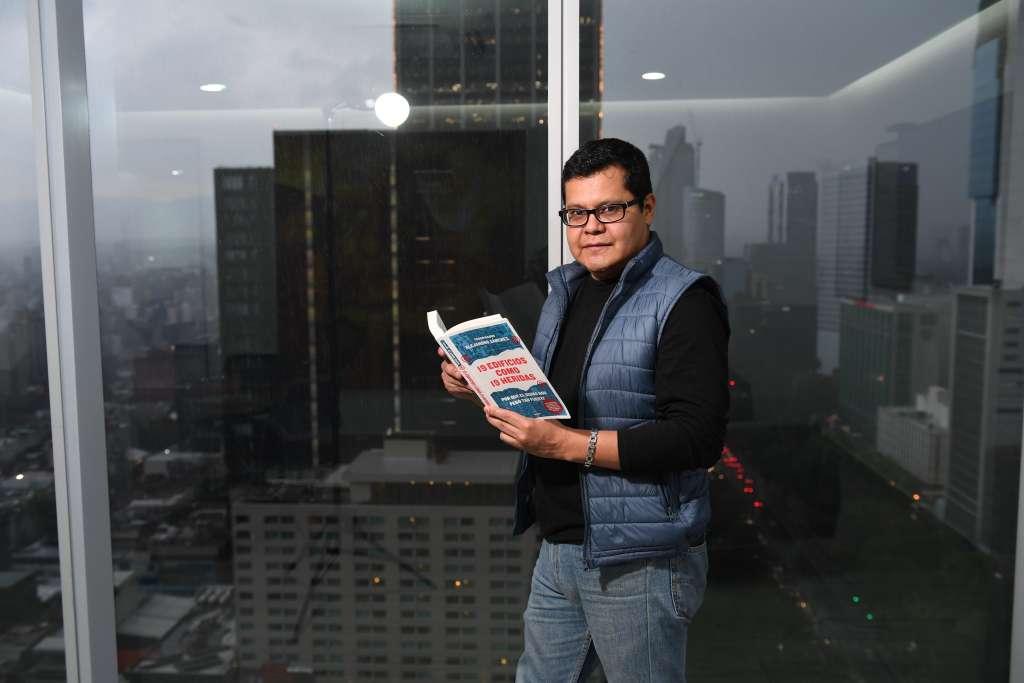 Las ganancias de la venta de los ejemplares serán donados a los damnificados. FOTO: EL HERALDO DE MÉXICO