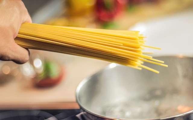 La cocina, al igual que muchos deportes y hobbies, necesita práctica para lograr ser experto. Foto: Especial