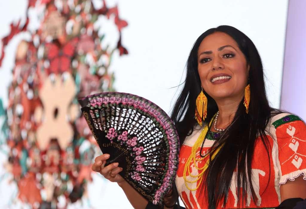 DIVERSIDAD. Además de cantar en español e inglés, también interpreta en mixteco y zapoteco. Foto: VÍCTOR GAHBLER