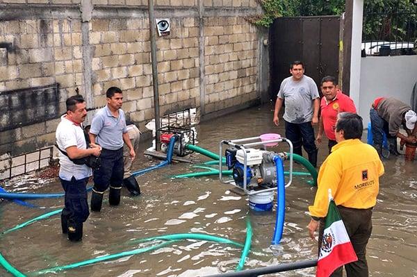 Al menos ocho colonias han sido afectadas por las lluvias del fin de semana. FOTO: TWITTER