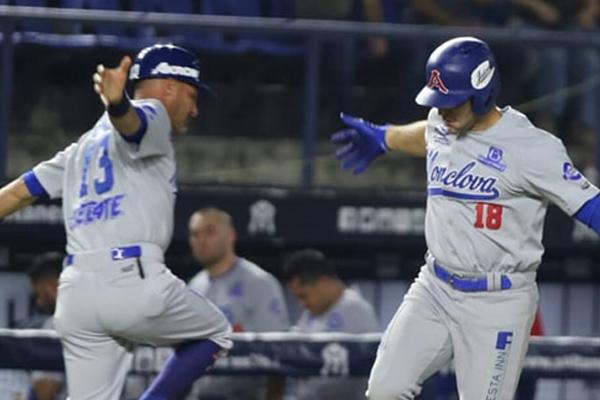 Danny Espinosa redujó la desventaja para los azules en la segunda entrada. FOTO: ESPECIAL