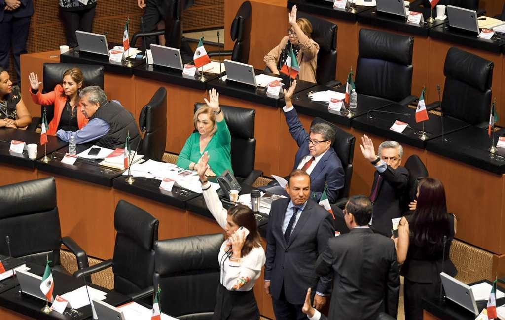 Legisladores ayer aprobaron sus calendarios legislativos.