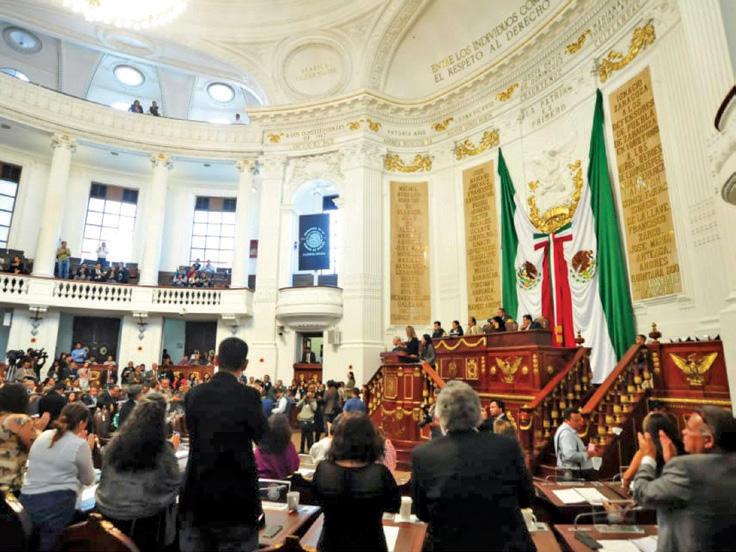 Morena dio dimensión de coalición parlamentaria el PES, con Fernando Aboitiz. FOTO: ESPECIAL