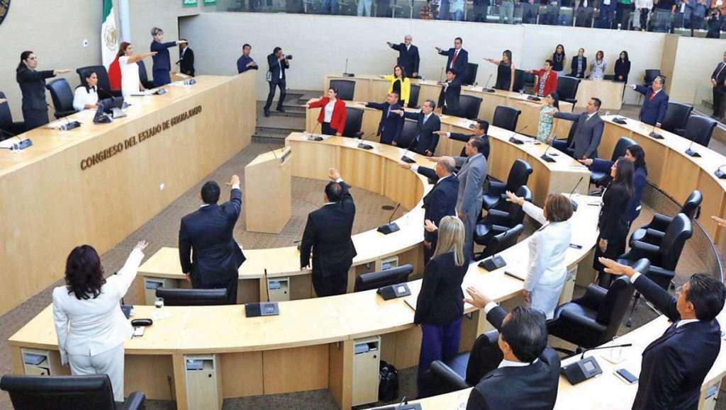 Los 36 diputados locales rindieron protesta, al iniciarse los trabajos de la LXIV Legislatura de Guanajuato.