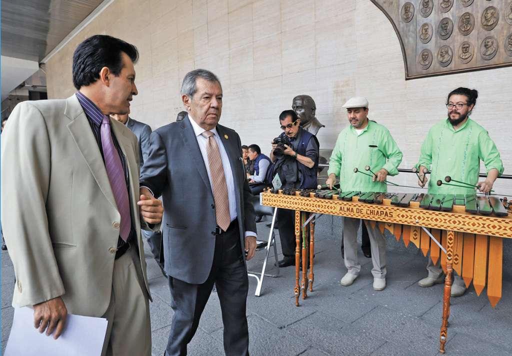 Una marimba tocó en San Lázaro por el 194 aniversario de la integración de Chiapas a la República Mexicana. FOTO: VÍCTOR GAHBLER