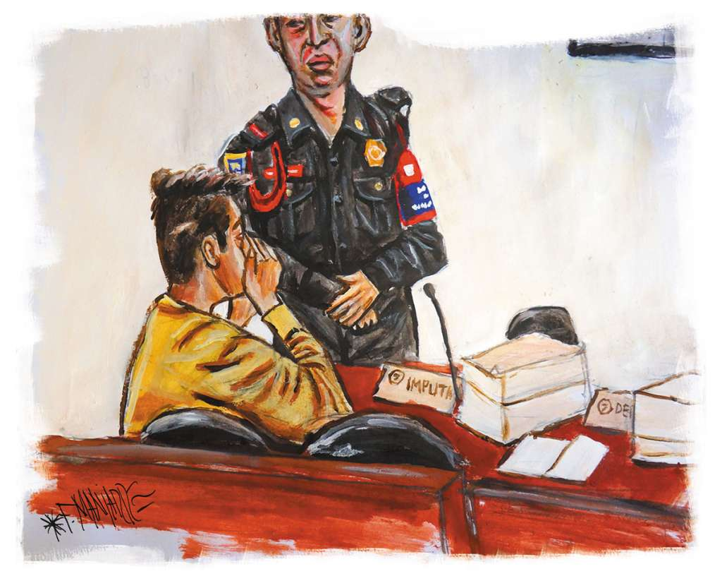 Durante más de tres horas el imputado escuchó la acusación en su contra por la agresión en la explanada de Rectoría.