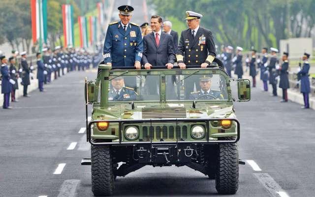 Graduaciones y aniversarios luctuosos fueron las actividades del Presidente. FOTO: ESPECIAL