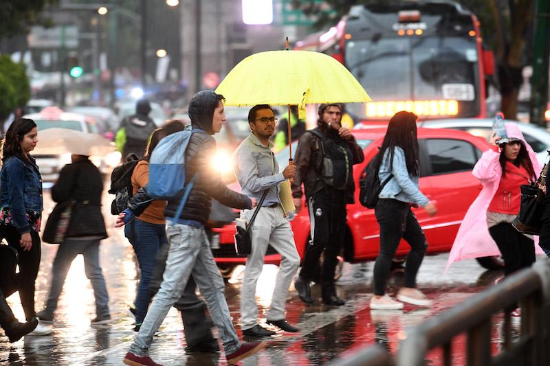 Lluvia afecta 10 delegaciones en la CDMX. Pablo Salazar Solís / Heraldo de México.