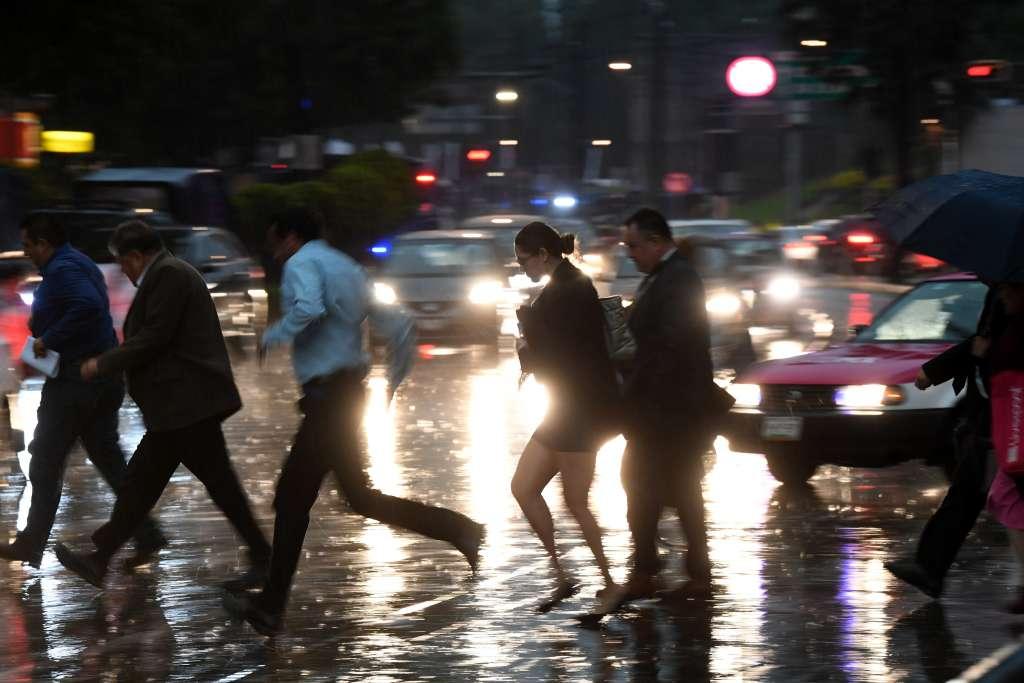 Lluvias provocan encharcamientos  en la CDMX. Foto: Pablo Salazar Solís / El Heraldo de México.