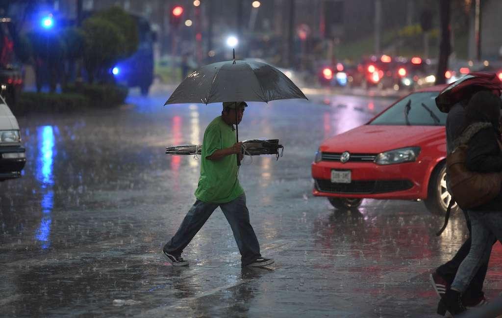 Lluvia en cuatro delegaciones de la CDMX. Foto: Pablo Salazar Heraldo de México