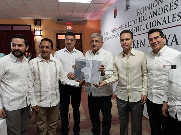 La reunión entre los gobernadores y el presidente electo se realizó en Palenque, Chiapas. FOTO: ESPECIAL