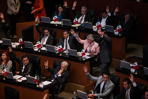 Senadores aprobaron por la noche la licencia que solicitó Manuel Velasco. FOTO: CUARTOSCURO