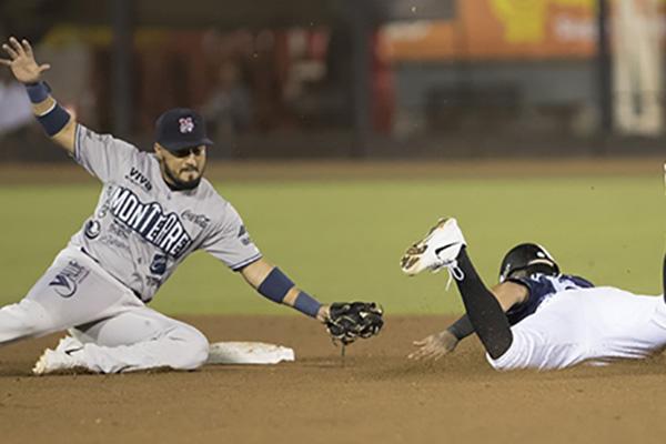 A tres outs de concluir el juego, los astados embistieron con un home run de dos rayitas, el segundo de la noche, cortesía de Jorge Cantú.