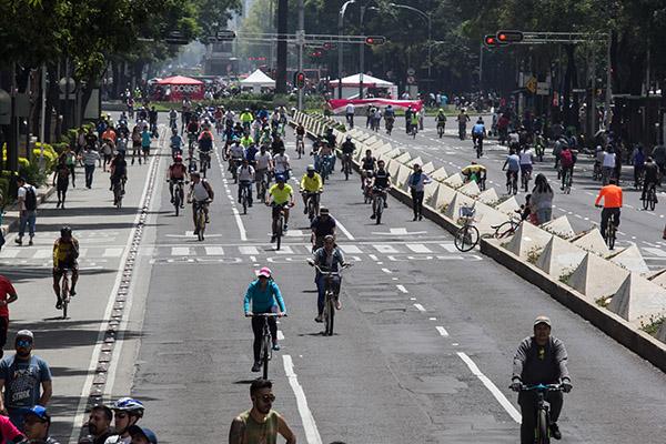 El paseo muévete en bici se realiza los domingos desde hace once años. FOTO: CUARTOSCURO