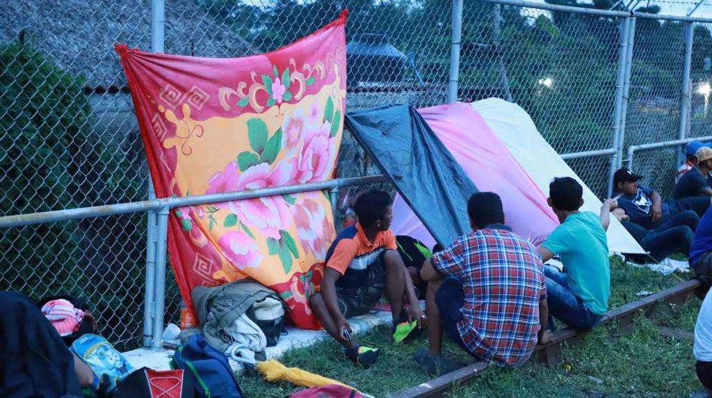 La Caravana Migrante partió de San Pedro Sula (norte de Honduras) con el objetivo de llegar a Estados Unidos. FOTOS: BENJAMÍN ALFARO @tapabav