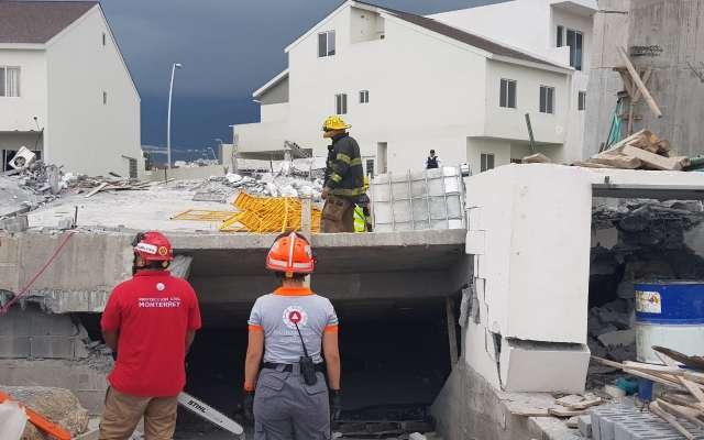 En as labores de rescate, hay más de 100 elementos de diversas corporacioneS. FOTO: ESPECIAL