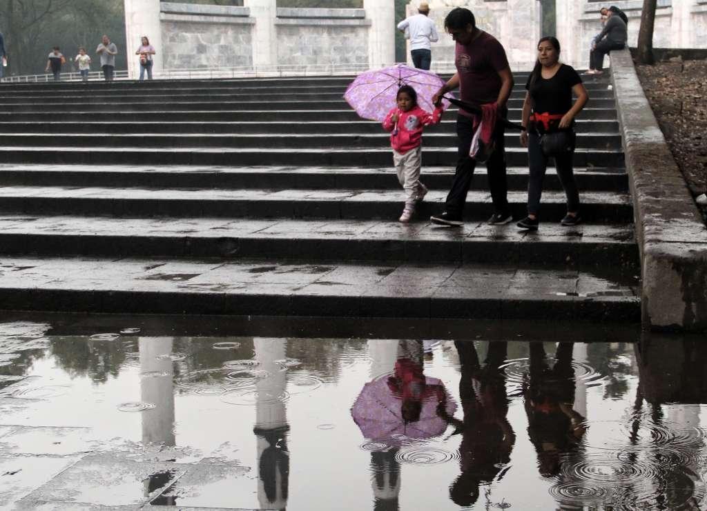 Decretan alerta amarilla por lluvia y viento en 8 alcaldías de la CDMX