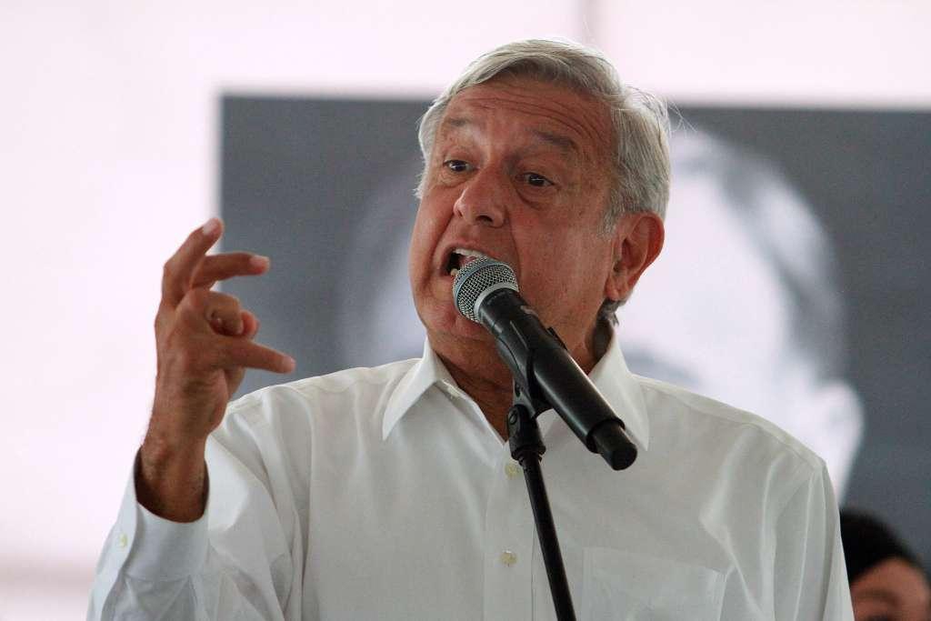 López Obrador se reunió con el gobernador de Tamaulipas, Javier García Cabeza de Vaca FOTO: NOTIMEX