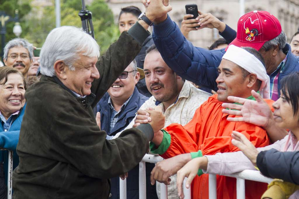 ENCUENTRO. López Obrador encabezó un mitin en el Monumento La Carrera de Pancho Villa. Foto: Notimex