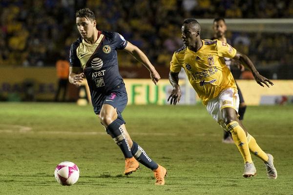 Con efectividad y un buen funcionamiento en la cancha del estadio Universitario, Águilas del América doblegó 3-2 a Tigres de la UANL. Foto: Mexsport