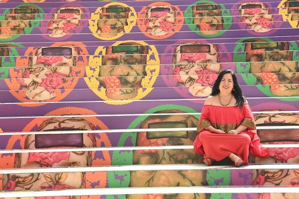 Betsabeé Romero sorprende con una instalación en las escalinatas de la Estela de luz. Foto:  LESLIE PÉREZ