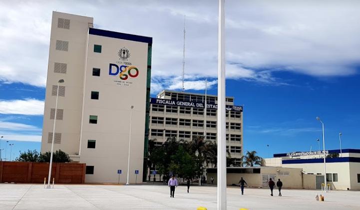 Detienen en Durango a dos ex funcionarios por desviar más de 200 millones de pesos. Foto: Fiscalía de Durango.